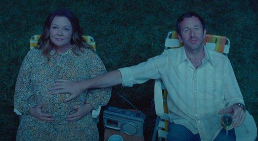 Netflix поделился трейлером драмы «Скворец» сМелиссой Маккарти иКрисом О'Даудом