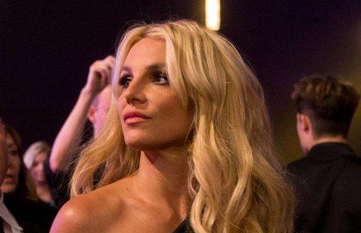 «Бритни, я люблю тебя!»: как фанаты радуются, что певица вышла из-под опеки отца