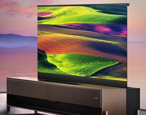 Hisense представила 77-дюймовый лазерный телевизор свыдвижным дисплеем