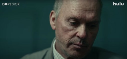 Hulu представил трейлер сериала «Ломка» озаговоре фармацевтов сМайклом Китоном